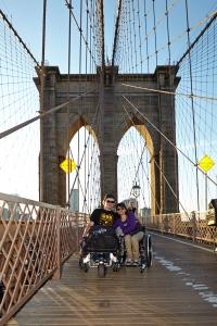 Lisa und ich auf der Brooklyn Bridge - Foto: Anna Spindelndreier